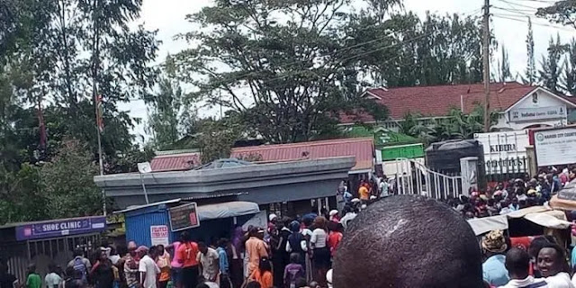 Kibra resident fighting for Raila Odinga food donations