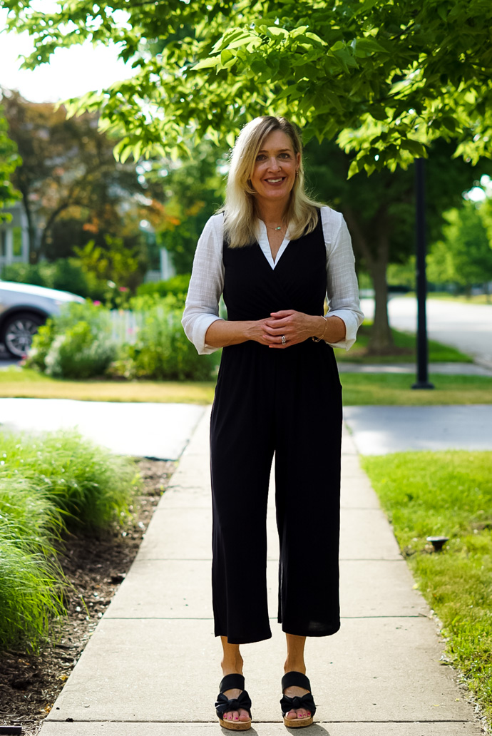 How to Wear a Sleeveless Jumpsuit to Work