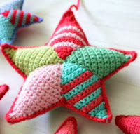 http://translate.googleusercontent.com/translate_c?depth=1&hl=es&rurl=translate.google.es&sl=en&tl=es&u=http://littlewoollie.blogspot.com.es/2013/05/crochet-star-making-tutorial.html&usg=ALkJrhjoXZK1myEniG3IbhudXd88hKELRQ