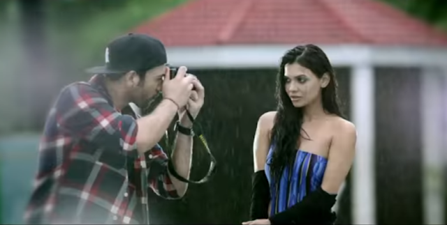 The latest trailer of the movie Ishq Click has been released.