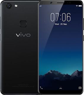 Vivo then introduced the first smartphones with 24MP front camera, the V7+ (left) and V7 (right).