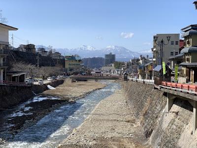 和合橋から湯田中駅方面を望む
