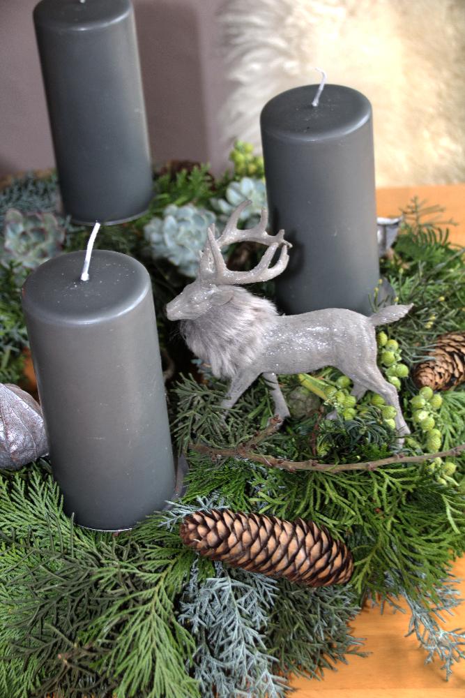 adventskranz b umchen adventsgesteck im ziegelkasten und. Black Bedroom Furniture Sets. Home Design Ideas
