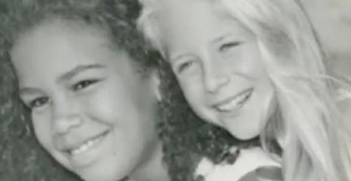Хирург удочерил двоих девочек и уже с 10 лет начал делать им пластику