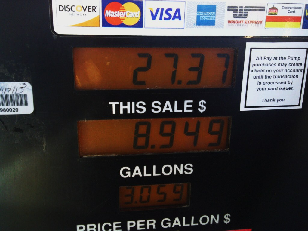 how to pump gas in your A new law permitting oregon residents to pump their own gas took effect monday — but not everyone took the news well.