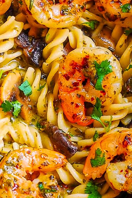 Pesto Shrìmp Mushroom Pasta