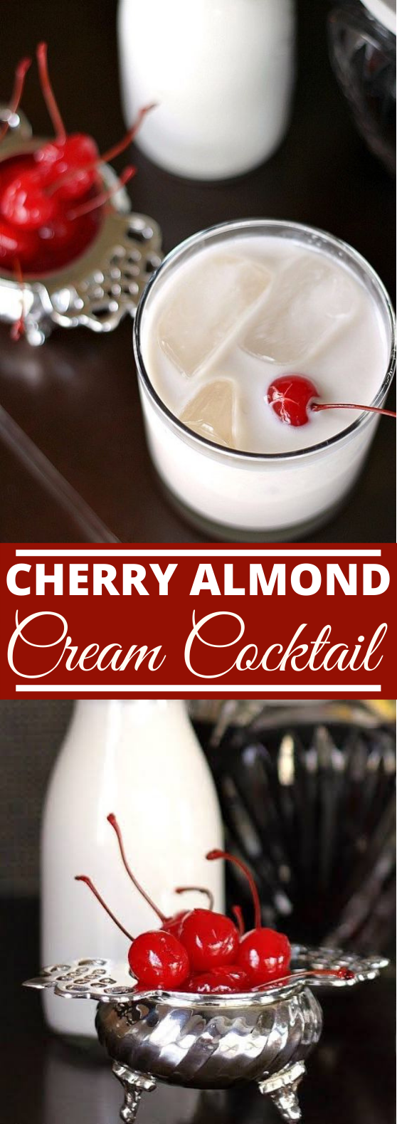 Cherry Almond Cream Cocktail #drinks #cocktail #christmas #winter #beverages
