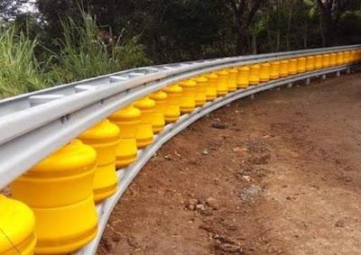 Roller Barrier Pembatas Jalan Canggih