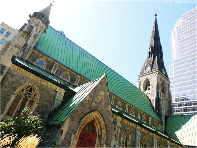 Catedral de Christ Church & KPMG Tower, Montreal
