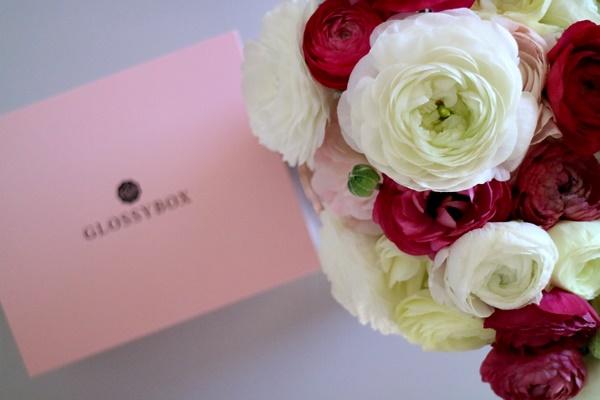 Josie´s little Wonderland - Sunny Sunday #89 - wochenrückblick, weekreview, kolumne, flowers, glossybox, ranunkel, blumenliebe, pink, weiß, rosé