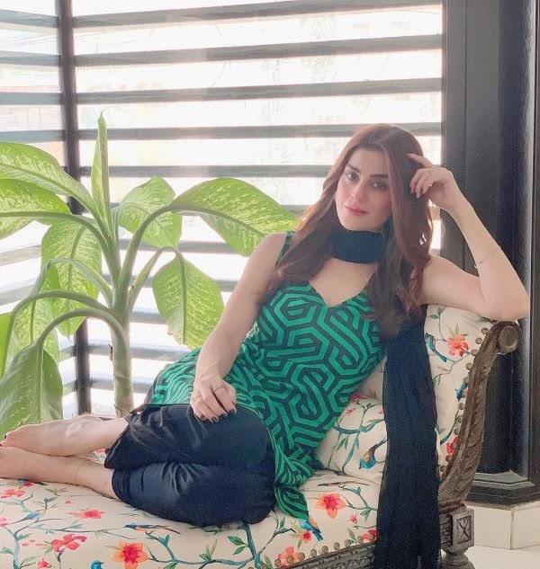 Actress Amna Malik