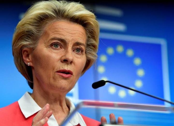 رئيسة المفوضية الأوروبية تخضع نفسها للحجر الصحي