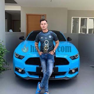 Alha alfa cosmetics, dato, alha alfa bercerai, usahawan muda, usahawan kecantikan, Sport car, kereta idaman, kereta sport, selebriti kaya popular, usahawan kosmetik Malaysia berjaya, kereta mewah, Ford mustang biru, harga Ford mustang,