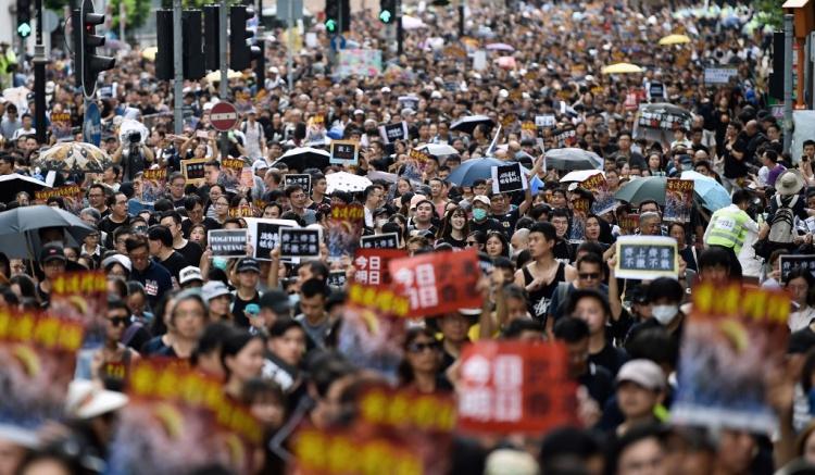 RUU Ekstradisi: Lebih dari 230.000 Pengunjuk Rasa Penuhi Jalan Sepanjang Salisbury Garden Hingga Stasiun West Kowloon