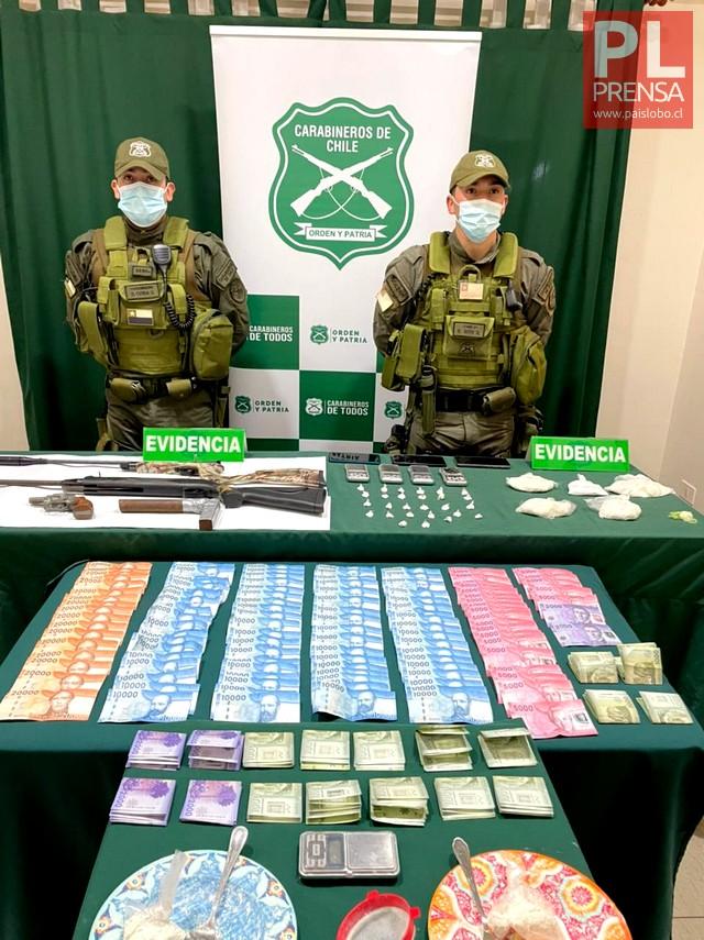 Detenidas con droga, armas y dinero