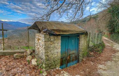 Η πιο παλιά εξώπορτα, που σώζεται σε χωριό της Θεσπρωτίας, έχει κλείσει πριν 177 χρόνια
