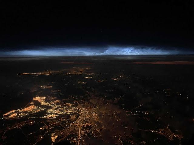 Világító felhők a magasból - Liege felett