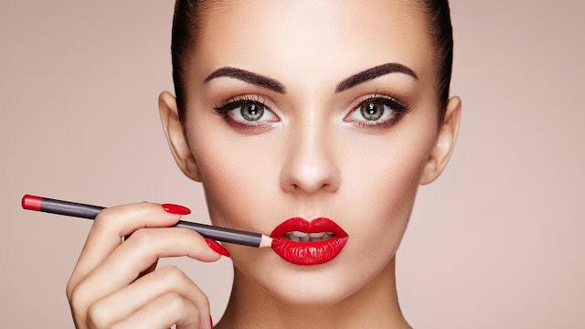 Tips agar lipstik tidak menempel di gigi