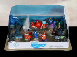 finding dory deluxe figurine playset figure