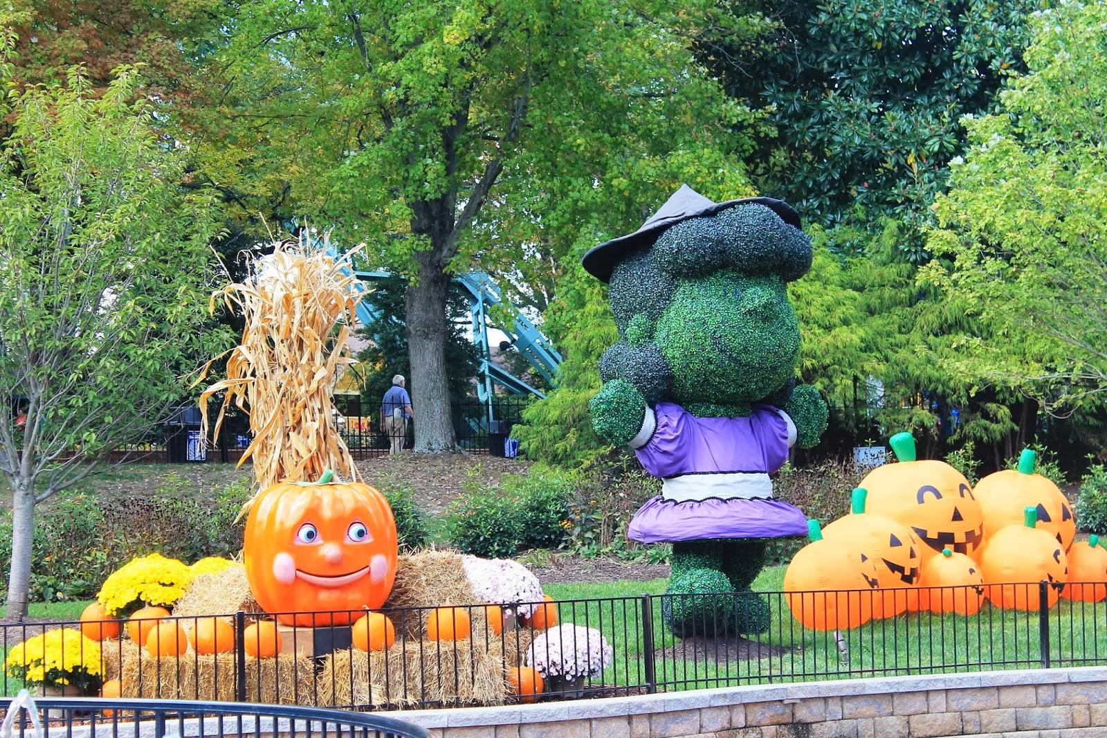 Peanuts Halloween Decorations