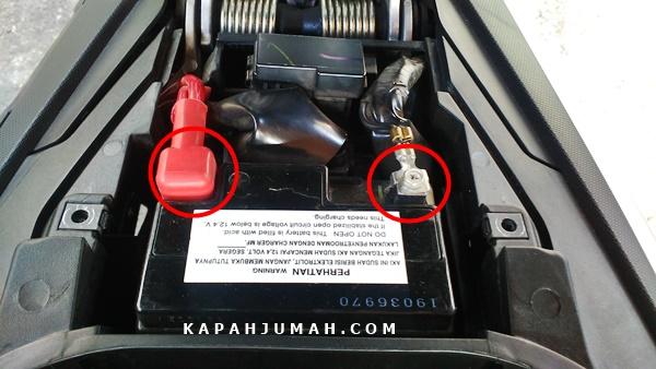 Cara Pasang USB Charger Daytona pada Yamaha NMax