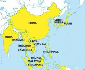 ASEAN plans world's largest trading bloc in Asia, the Regional Comprehensive Economy Partnership (RCEP) and the U.S. Secrecy in Trans-Pacific Partnership (TPP)