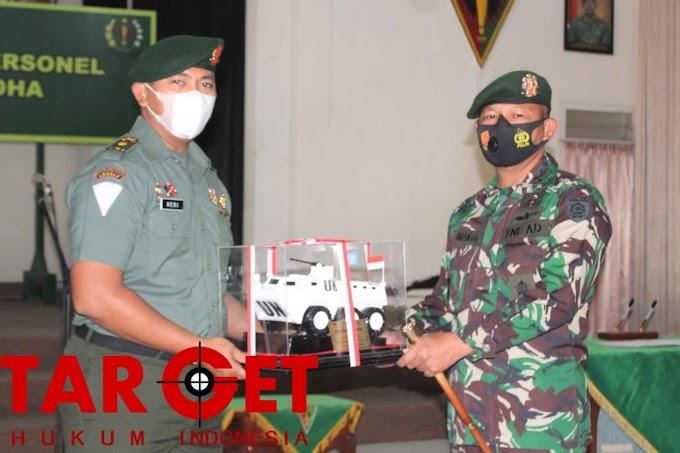 Komandan Resimen Armed 1 Kostrad Lepas Perwira Terbaik Pindah Satuan