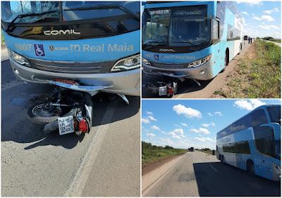 Motociclista fica gravemente ferido após colisão com ônibus na BR-135