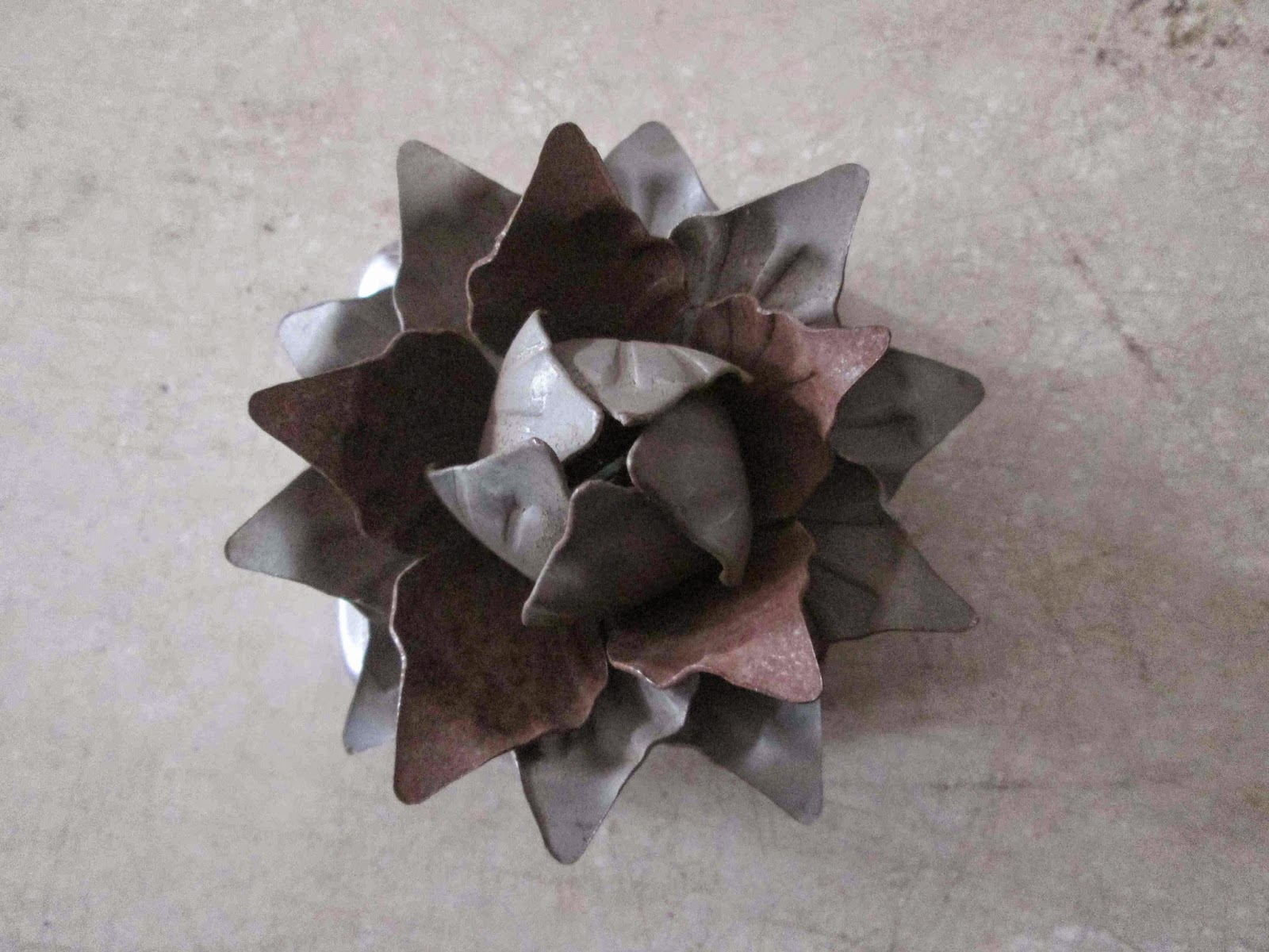 Wrought Iron Ornaments with Lotus Flower Motif Supplier of Wrought Iron Ornaments