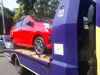 Pengiriman Mobil Menggunakan Towing Atau yang Sering Disebut Dengan Derek Gendong Dari Jakarta Sampai Tegal Jawa Tengah.
