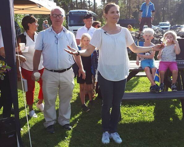 Crown Princess Victoria visited Engesbergs Camping and Stugby in Gävle. Engesbergs Camping is a family campsite