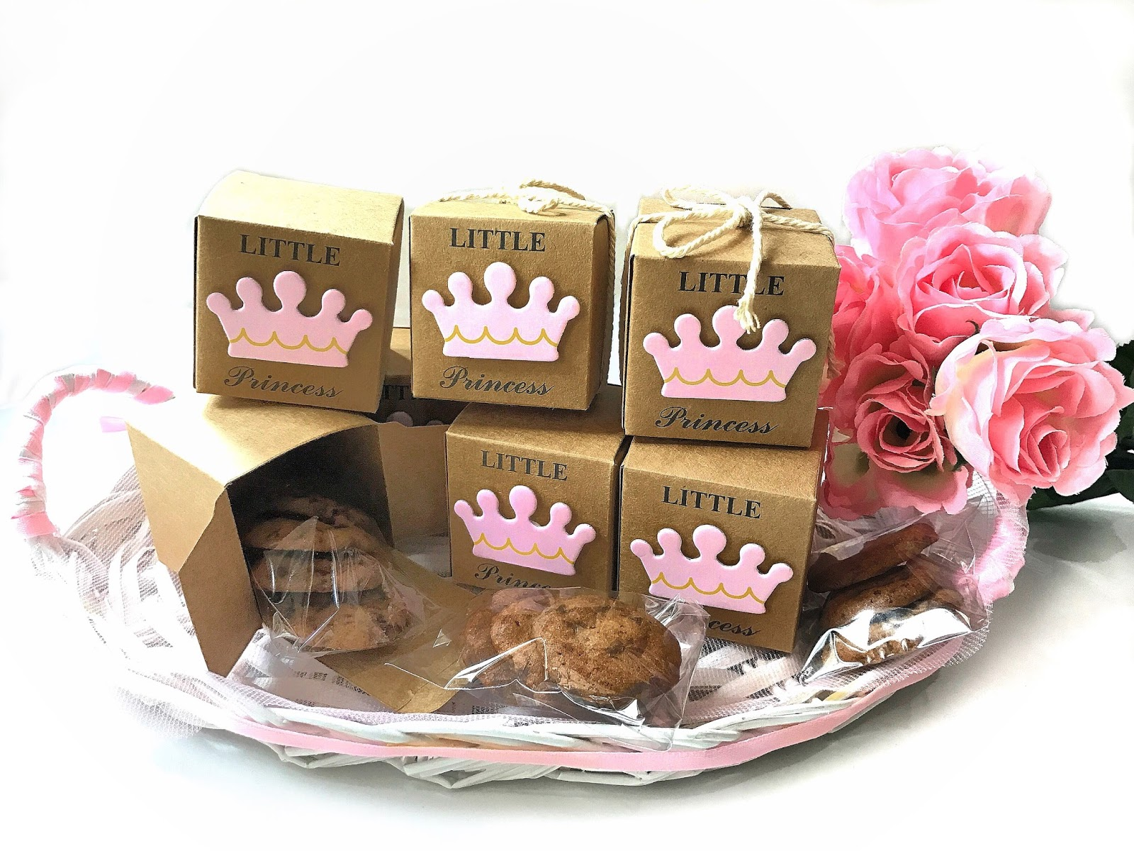 Now Now all you Mummies. Are you planning a surprise birthday party for your Little Princess? These Little Princess Cookie Door gifts are super pretty.  sc 1 st  Sherbakes & Sherbakes: Princess Carriage Baby Shower Gift Boxes pezcame.com