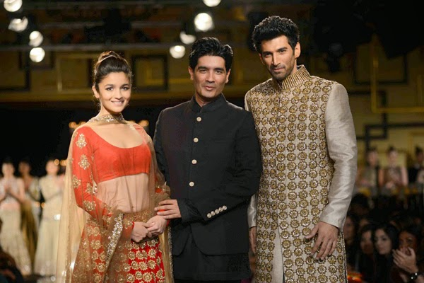 Alia Bhat and Aditya Rao kapoor walk the ramp for Manish Malhotra at India Couture Week