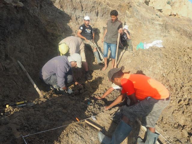Última camapaña de excavaciones en Oued Sarrat (Túnez), 700.000 BP. Los trabajos se reaundan tras una tormenta que inundó el área de excavación. Foto: IPHES.