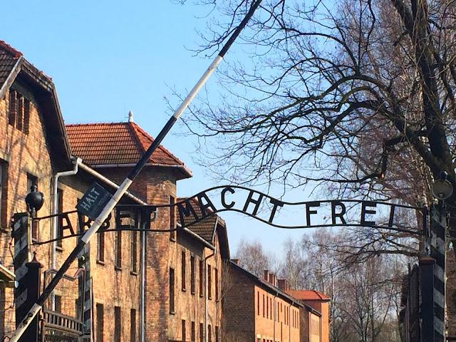 """""""Excursión"""" a Auschwitz Monowitz"""