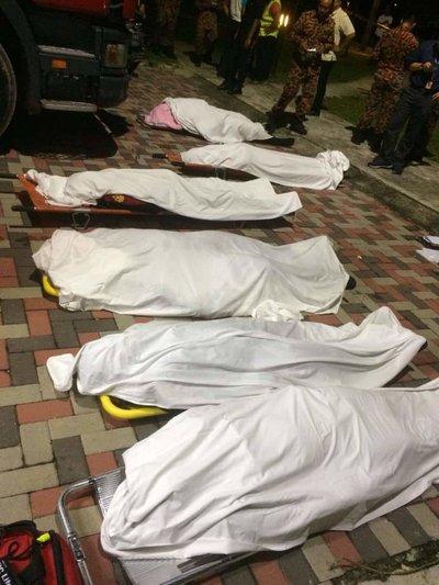 Anggota Bomba Maut dalam Operasi Menyelamat Mangsa Lemas