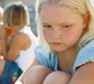 Pregiudizio verso bambini affetti ansia sociale