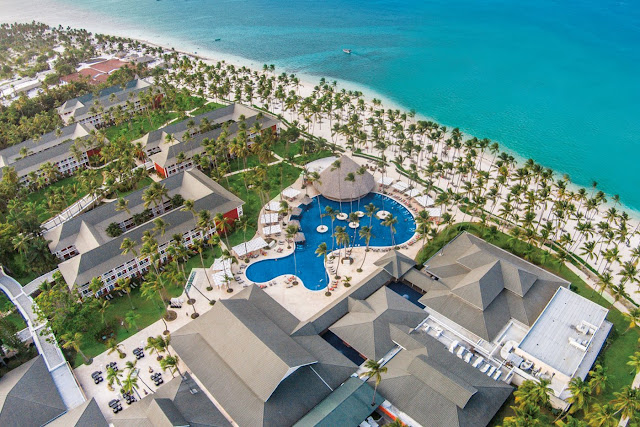 The Barceló Bávaro Beach - Adults only hotel is located on the beachfront at Bávaro Beach, Punta Cana, which is considered to be one of the 10 best beaches in the world. This fantastic hotel has reinvented itself and has been converted into an exclusive adults only hotel.