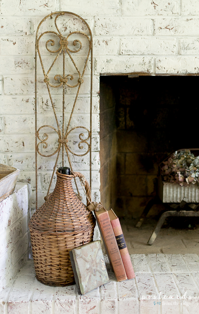 Charming ways to add farmhouse style to your fall fireplace and mantel.