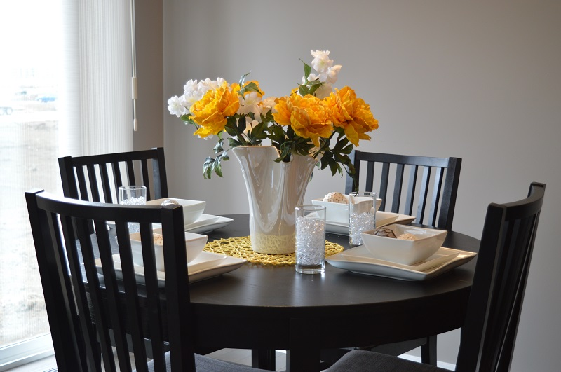 Choosing the right dining table for your dining space 2