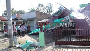 Puting Beliung Landa Toba,1 Meninggal, Puluhan Rumah Rusak, Pemkab Bantu Warga