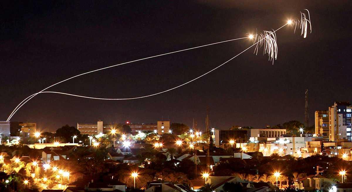 Media Israel Mengatakan Roket-roket Hamas Diluncurkan Secara Tidak sengaja