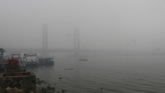 500 Sekolah di Palembang Diliburkan Akibat Terpapar Kabut Asap Ekstrem