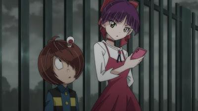 事件を調べる鬼太郎とねこ娘