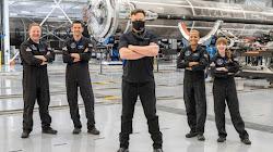 Elon Musk, đã chế nhạo Tổng thống Joe Biden vào Chủ nhật vì đã lơ là ca ngợi sứ mệnh lịch sử của công ty hàng không vũ trụ của ông lên quỹ đạo