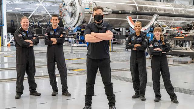 Giám đốc điều hành SpaceX và Tesla, ông Elon Musk