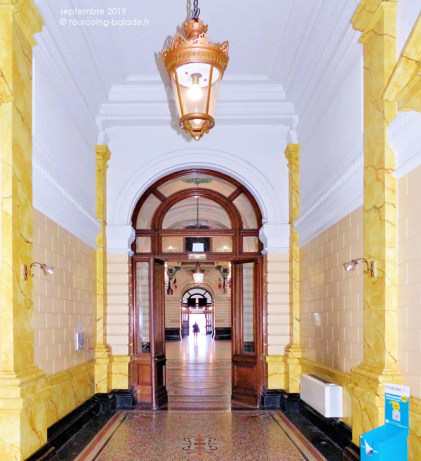Mairie de Tourcoing - Couloir vers hall