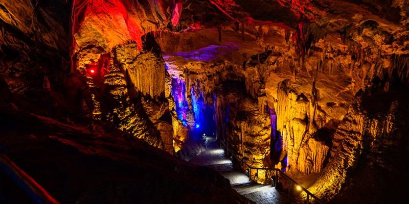 ถ้ำฝูหยง (Furong Cave: 芙蓉洞) @ www.ichongqing.info