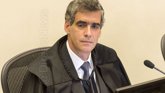 stj mera referencia silencio acusado juri