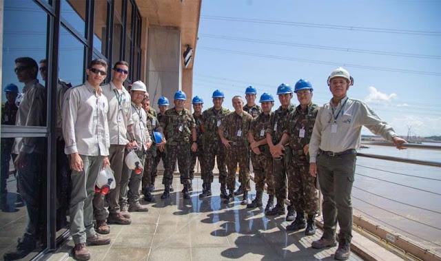 Uhe Jirau recebe oficiais do  6º BIS